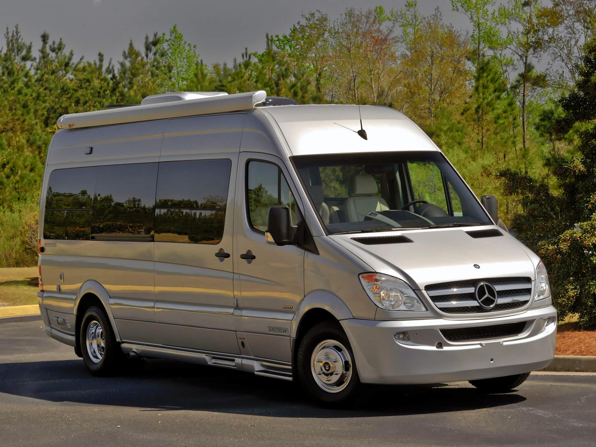 5 причин взять микроавтобус в аренду